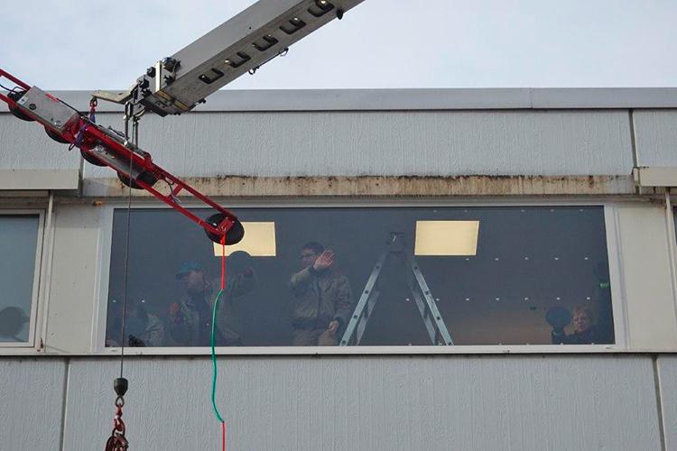 Sehr Einbau einer XXL Panorama-Mega-Scheibe - Roos Fenster und KD84